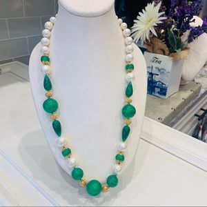 VINTAGE Emerald Green & Pearl  Resin Ball Necklace